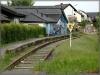 Zu den tollen fünf Tagen verkehrt hier eine Sonderlinie mit einem historischen Zug. Den Rest des Jahres liegt die Strecke still.